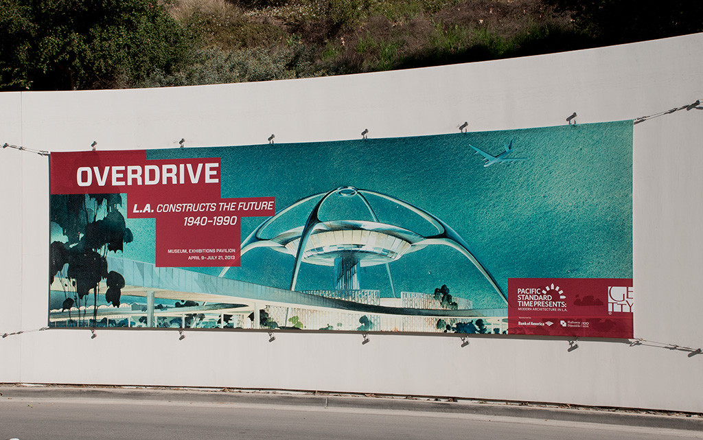 Getty-Overdrive-Curved-Wall-In-Situ
